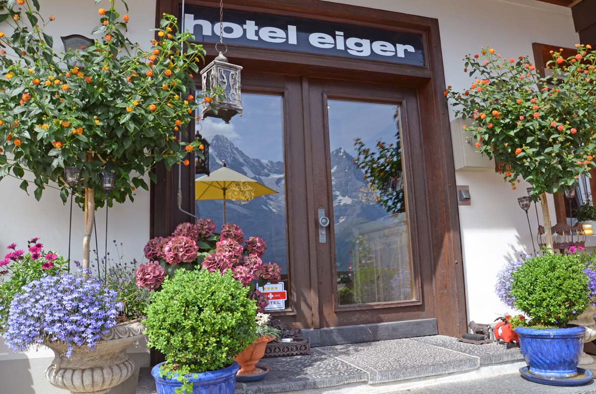 Terassse sommer hotel eingang