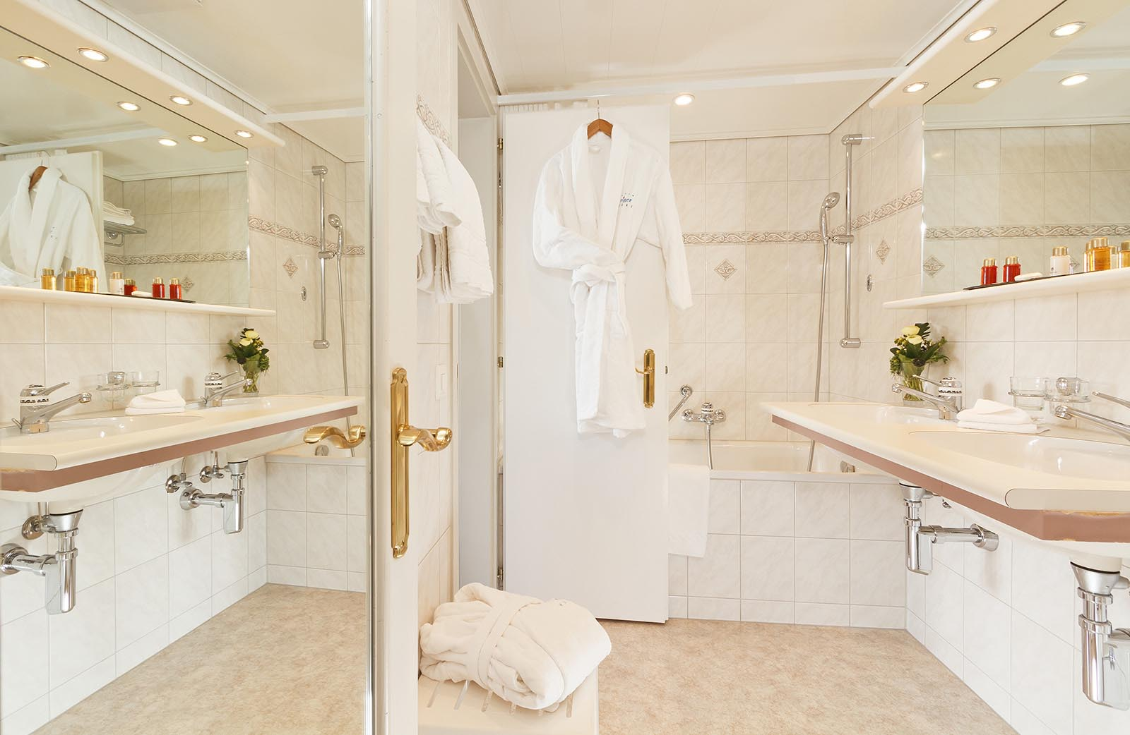 Junior Suite Badezimmer bathroom